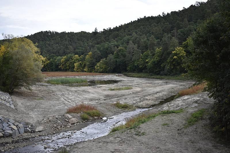 Retenční nádrž na přítoku plumlovské přehrady je již vybagrována a čeká na podzimní výsadbu. 24.9. 2021