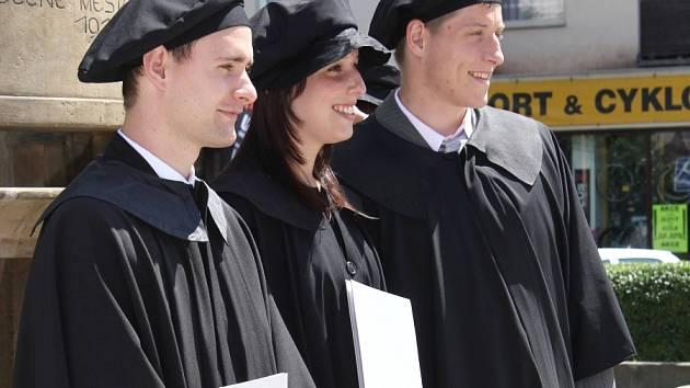 Promoce bakalářů UTB v Prostějově