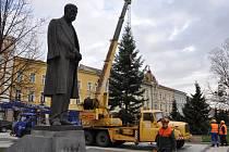 Cesta vánočního stromu na prostějovské náměstí T. G. Masaryka. Ilustrační foto
