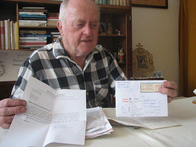 Pan Zavadil už rozeslal na nejrůznější adresy Eskulab finance několik dopisů. Všechny se mu vrátily zpět.