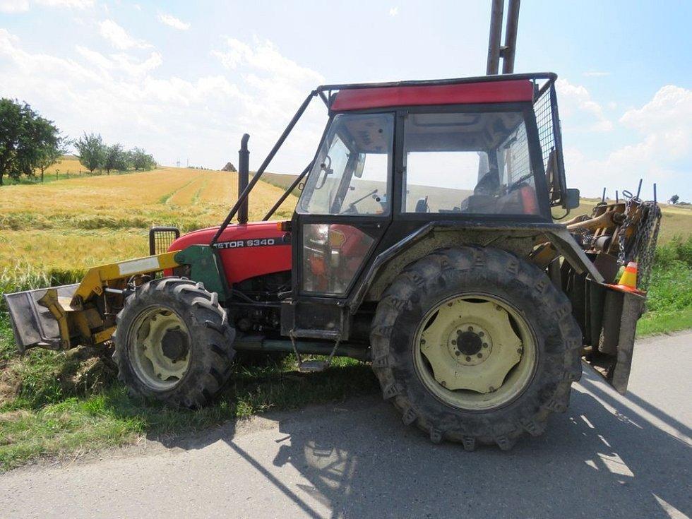 V pondělí se srazil v Budětsku traktor s osobním automobilem.
