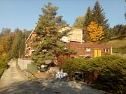 Bývalý hotel Upolín na Kladecku - pracuje se na obnově areálu