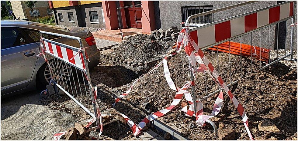 Dva roky po celkové revitalizaci řádí na Šárce znovu kopáči. 18.6. 2021