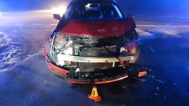 Mezi Kostelcem a Prostějovem došlo v úterý ke srážce auta s vlakem. Všichni vyvázli z nehody bez zranění.