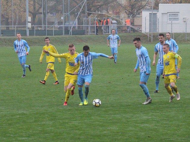 Prostějovští fotbalisté (v modrém) proti Varnsdorfu