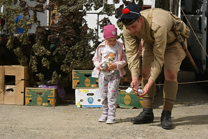 Dětský den s Kluby vojenské historie na plumlovském zámku - 6. 6. 2020