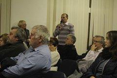 Setkání představitelů města Prostějova s jeho obyvateli na Reálném gymnáziu