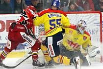 Hokejoví Jestřábi si vyšlápli na České Budějovice. Na domácí půdě je porazili 4:2 a posunuli se na osmou příčku v tabulce.