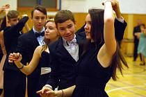 V Němčicích nad Hanou chodí do tanečních i žáci školou povinní.