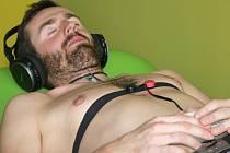 Novinka prostějovské Sportovní kliniky: vzdálené monitorování srdeční frekvence pomocí přístroje MySasy.