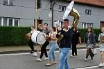 Ve Vrchoslavicích hrála v dechovka, ředitel ZUŠ Laco Gazdag slavil narozeniny.