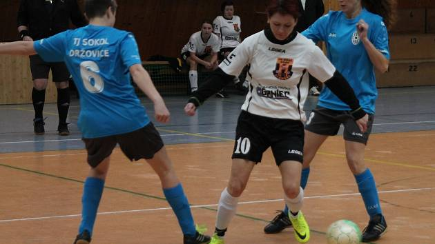 Halový turnaj fotbalistek v Kostelci na Hané