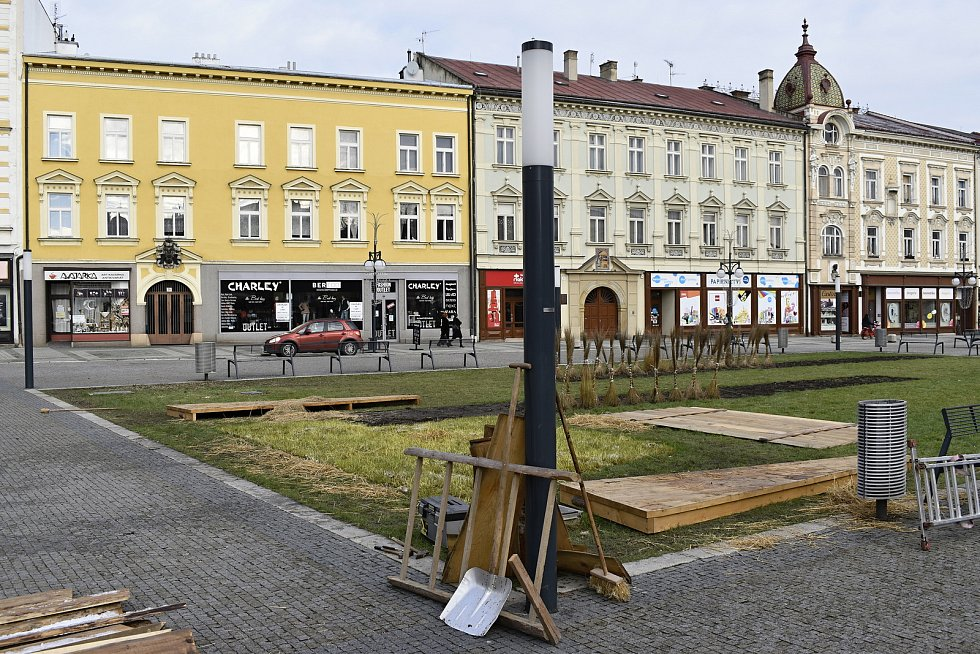 Z prostějovského náměstí T. G. Masaryka zmizel vánoční strom, betlém i malé stromečky. Vánoce definitivně skončily. 8.1. 2020