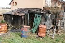 Požár dřevěných přístěnků u rodinného domu v Žárovicích - 5. dubna 2021