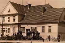 MLÉKÁRNA, 30. léta  - Mlékárna v Otinovsi je pokračovatelem osmdesátileté tradice mlékárenství na Drahanské vrchovině. Byla založena 30. srpna 1929 a dodnes se sem pro čerstvé mléko a sýr Niva sjíždí lidé z širokého okolí.