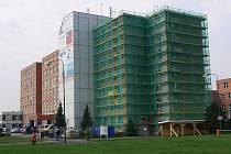 Prostějovská nemocnice. Nové parkoviště vznikne na ploše v popředí