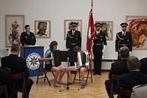 Desítky policistů z Prostějovska jsou po čtvrtku bohatší o medaili, případně plaketu. Ocenění dostali za léta služby, aktivní přístup k práci i příkladné velení svým podřízeným.