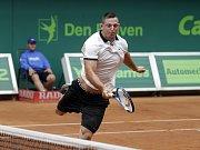 Závěrečný den prostějovského tenisové turnaje nabídl také exhibici zlatých olympioniků. Lukáš Krpálek