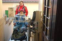 Plošina pro vozíčkáře u Městského divadla v Prostějově