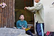 V táboře nedaleko Bohuslavic zažívají děti dobrodružství na Ostrově Robinsonů