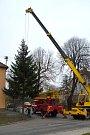 Instalace a rozsvícení vánočního stromu v Němčicích nad Hanou