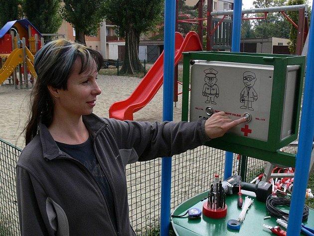 Hodiny s hlásičem fungují třeba už na dětských hřištích v Prostějově