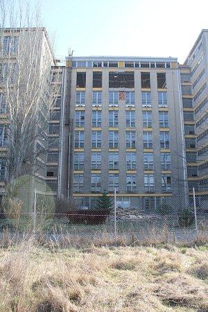 Rozebírání budov bývalého sídla OP vProstějově