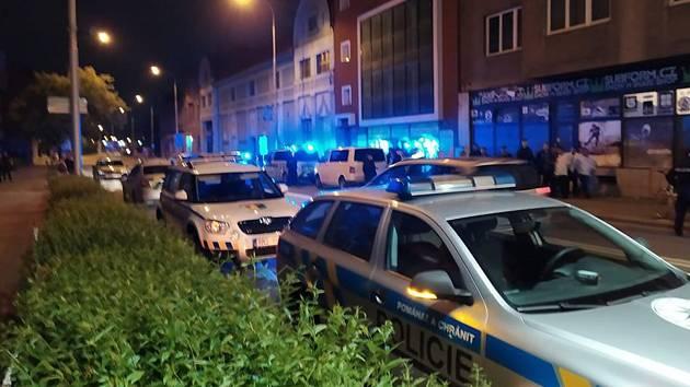 Romské výtržnosti a policejní manévry v centru Prostějova v sobotu 18. května
