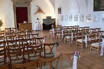 Zámecká síň v Plumlově - přichystaná ke konání svatby