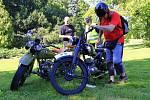 Automobiloví a motocykloví dědečci v Čechách pod Kosířem