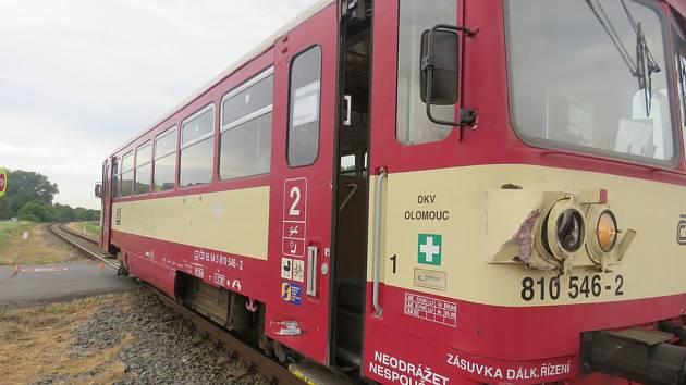 Nehoda vlaku s kamionem na přejezdu nedaleko Smržic