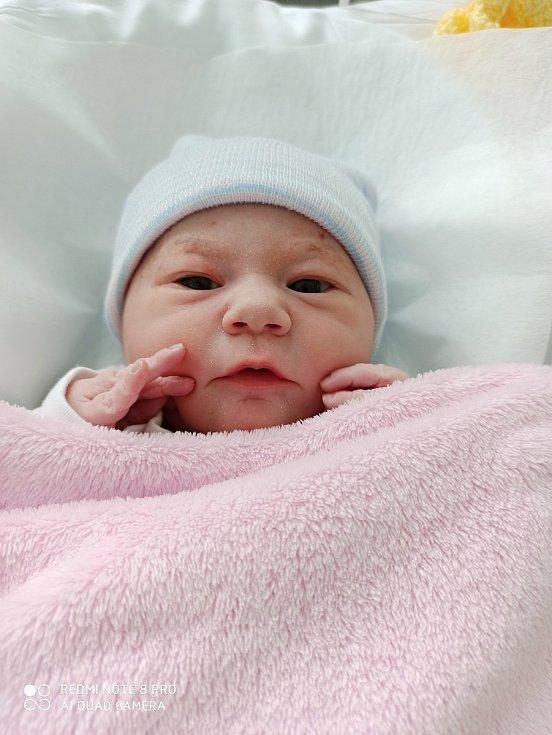 Vanesa Víchová, Kyselovice, okres Kroměříž, narozena 28. března 2021 v Přerově, míra 46 cm, váha 3416 g