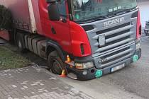 Nehoda kamionu v Bedihošti