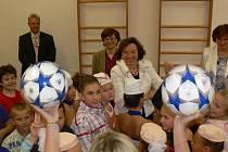 Vítání prvňáčků v Pivíně se zúčastnila i paní Livia Klausová