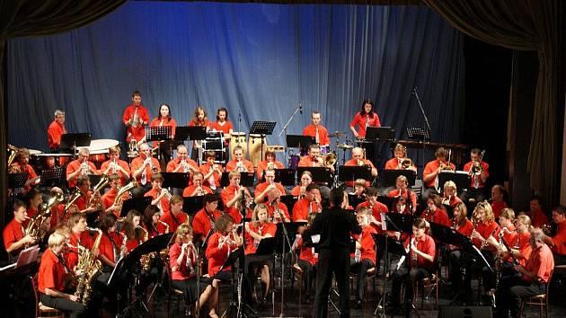 Prostějovský dechový orchestr ZUŠ Vladimíra Ambrose pod vedením dirigenta Rudolfa Proseckého