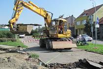 Stavba cyklostezky a cesty pro pěší u Olomoucké ulice směrem na Sladkovského