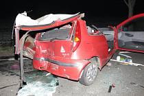 Tragická srážka Fiatu Puno s dodávkou u Čelčic