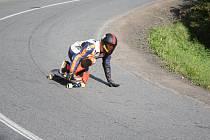 Závody skateboardistů v Konici. Ostré zatáčky vyžadovaly hodně soustředění.
