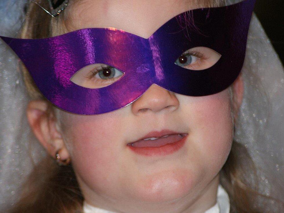 Dětský karneval. Ilustrační foto
