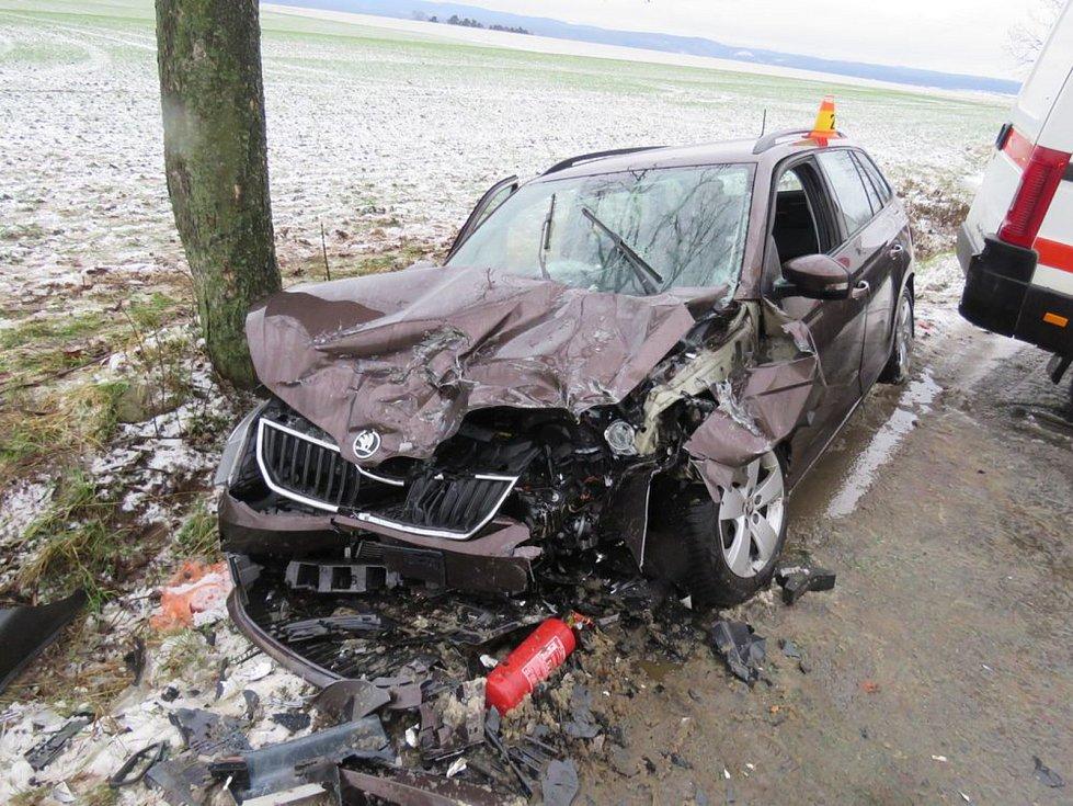 Nehoda mezi obcemi Vícov a Ohrozim, se naštěstí obešla bez těžších zranění
