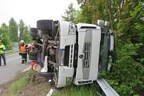Nehoda náklaďáku na D 46 u Olšan