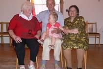 Věkový rozdíl mezi nejstarší a nejmladší členkou rodu je osmdesát pět let.