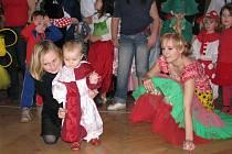 Děti si užily maškarní rej
