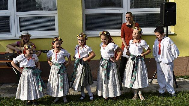 Nové dopravní a dětské hřiště ve Vrchoslavicích