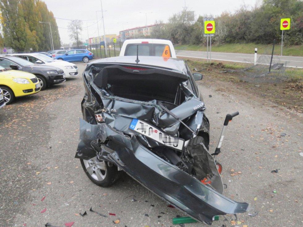 Bouračka kamionu v Prostějově, při níž zdemoloval 27 aut