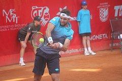 Jiří Veselý v utkání druhého kola Moneta Czech Open 2018 proti Švédovi Ymerovi
