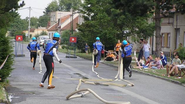 Myslejovičtí hasiči na soutěžní akci