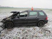Devatenáctiletý řidič jistě příště nebude podceňovat ledovku.
