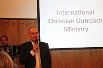Přednáška bývalého muslima Salmana Hasana v Národním domě