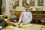 V Ekocentru Iris se vyráběl ruční papír a vánoční přání